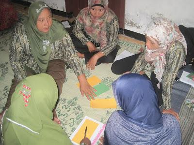Bank Emok Sasaran Istri-Istri Pegawai Desa