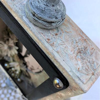 Sara Emily Barker https://sarascloset1.blogspot.com/2019/04/trashy-love-story-vignette-for-frilly.html Vignette Box Tutorial Tim Holtz 3D Embossing Seth Apter Baked Velvet 2