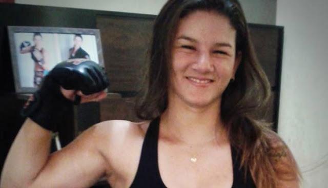 Ladrón pide ayuda tras asaltar a una luchadora profesional