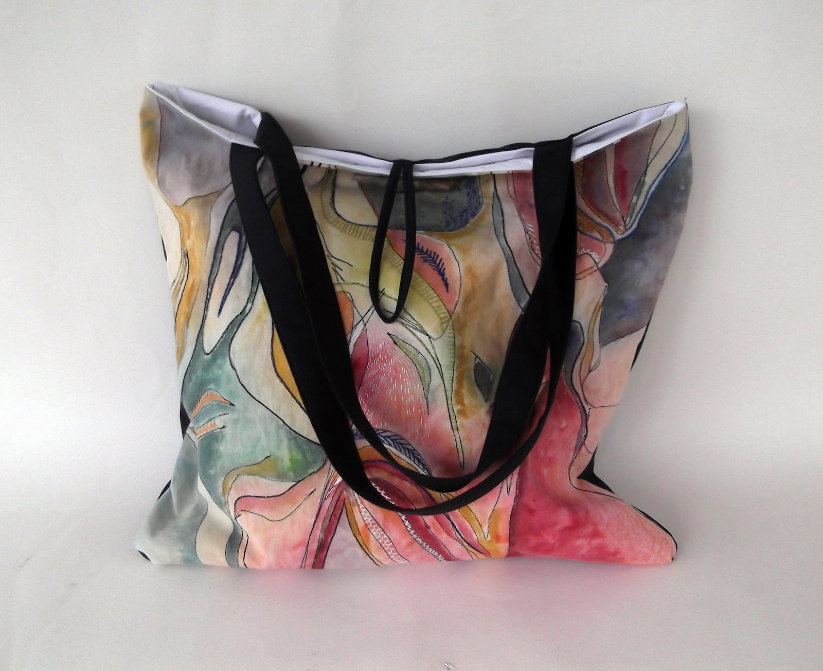 Hand painted bag, hand painted fabric, embroidery and bag, how to make a tote bag, bag tutorial, bag instructions, bag patterns