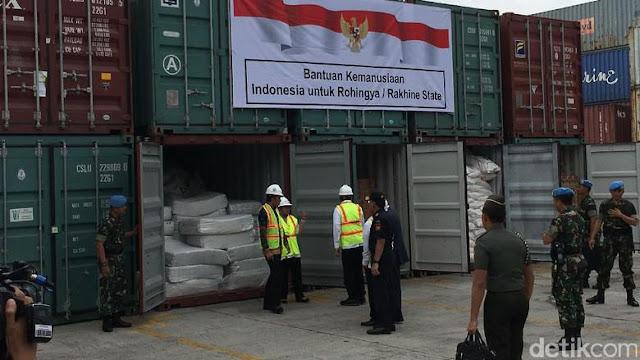 Berisi Sandang Pangan, Presiden Jokowi Lepas 10 Kontainer Bantuan Indonesia Untuk Muslim Rohingya