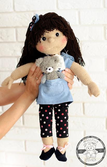Szydełkowa lalka