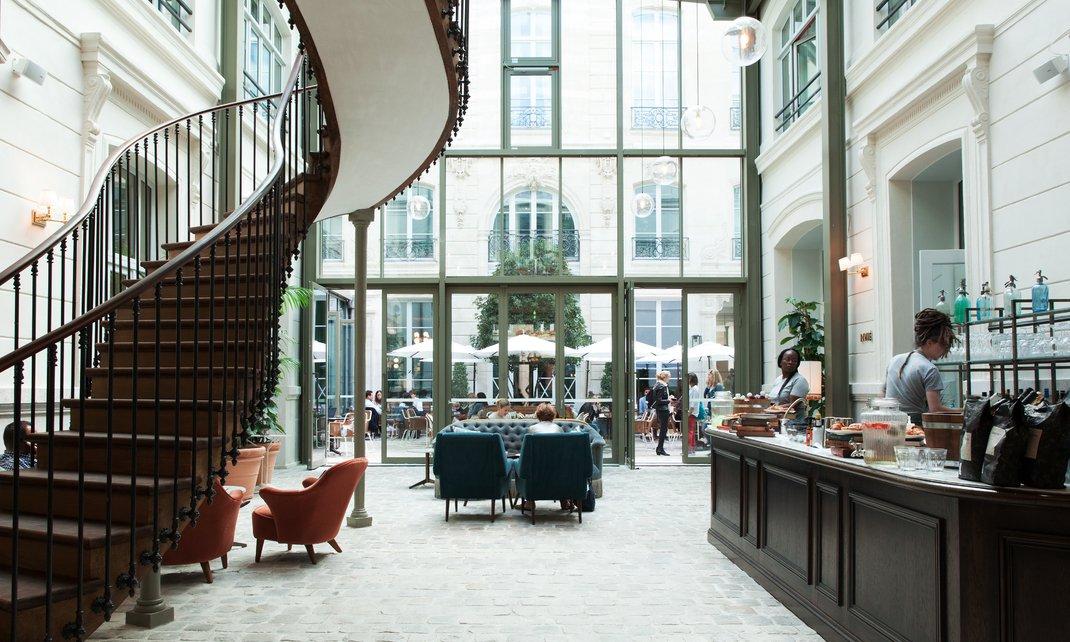 travel destinations the hoxton hotel in paris cool. Black Bedroom Furniture Sets. Home Design Ideas