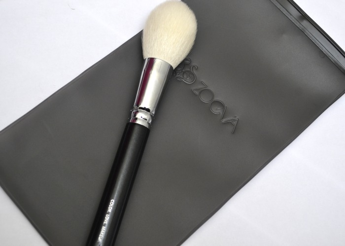 101_Luxe_Face_Definer_brush_by_ZOEVA_03