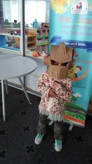 Mainan Kardus di Kids Corner Perpustakaan Bank Indonesia Bandung