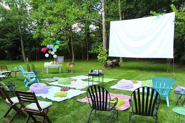 Easy DIY Outdoor Cinema in The Garden - Home Garden Cinema 10