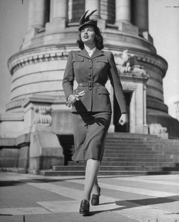 Fashionable Forties: 50 years of fashionable female figures