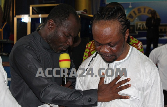 Prophet Emmanuel Badu Kobi Praying For Daddy Lumba