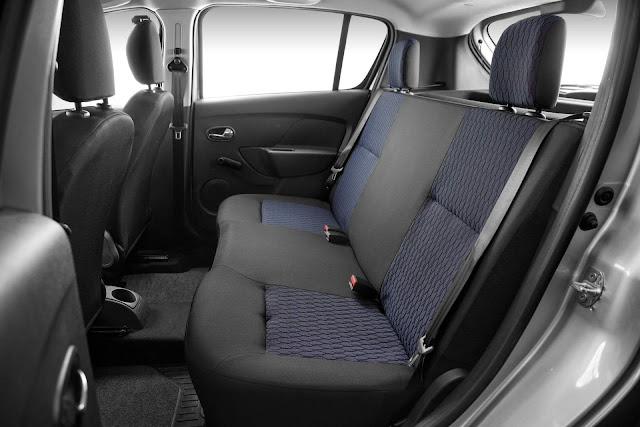 Novo Renault Sandero 2017 - interior - espaço traseiro