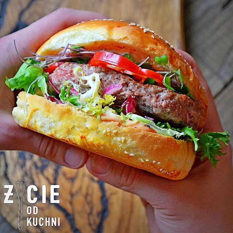 burger, wołowina, mięso na burgery, jak zrobić burgery, bułki do burgerow