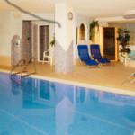 Schwimmbad im Burgaunerhof Vinschgau