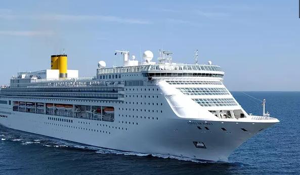Wisata Unik Italia di Tawarkan Kapal ini