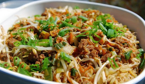 Fried Rice Vermicelli with Minced Beef and Tofu