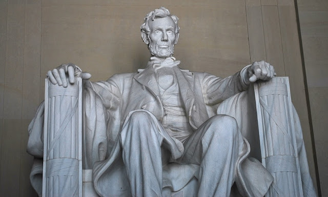 Image: Lincoln Memorial Monument, by PublicDomainPictures on Pixabay
