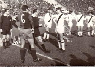 Bulgarelli capitano, prima di Cagliari - Bologna.