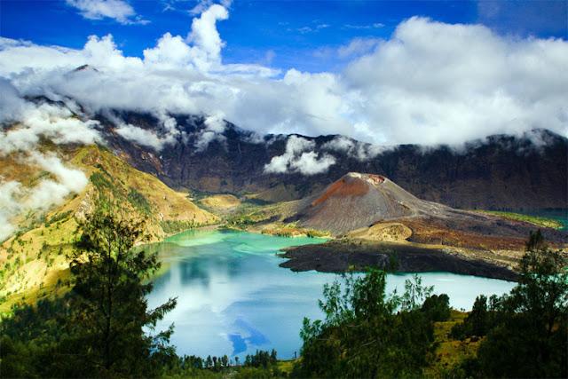 Wisata Gunung Rinjani Lombok, Lanskap Eksotis dari Ketinggian