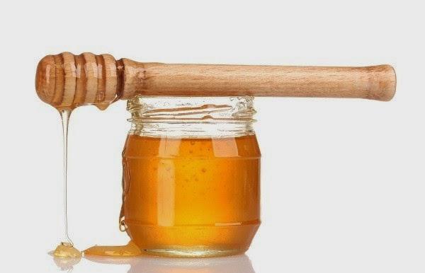 وصفة عسل النحل والخميرة لتبييض البشرة