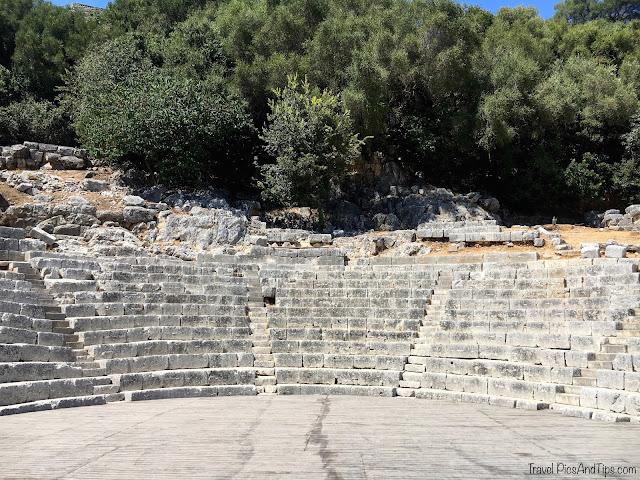 Le théâtre de Butrint au sud de l'Albanie