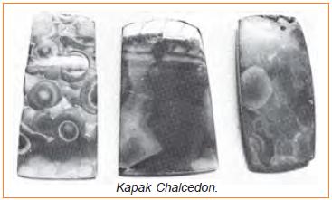 kapak persegi dari chalcedon