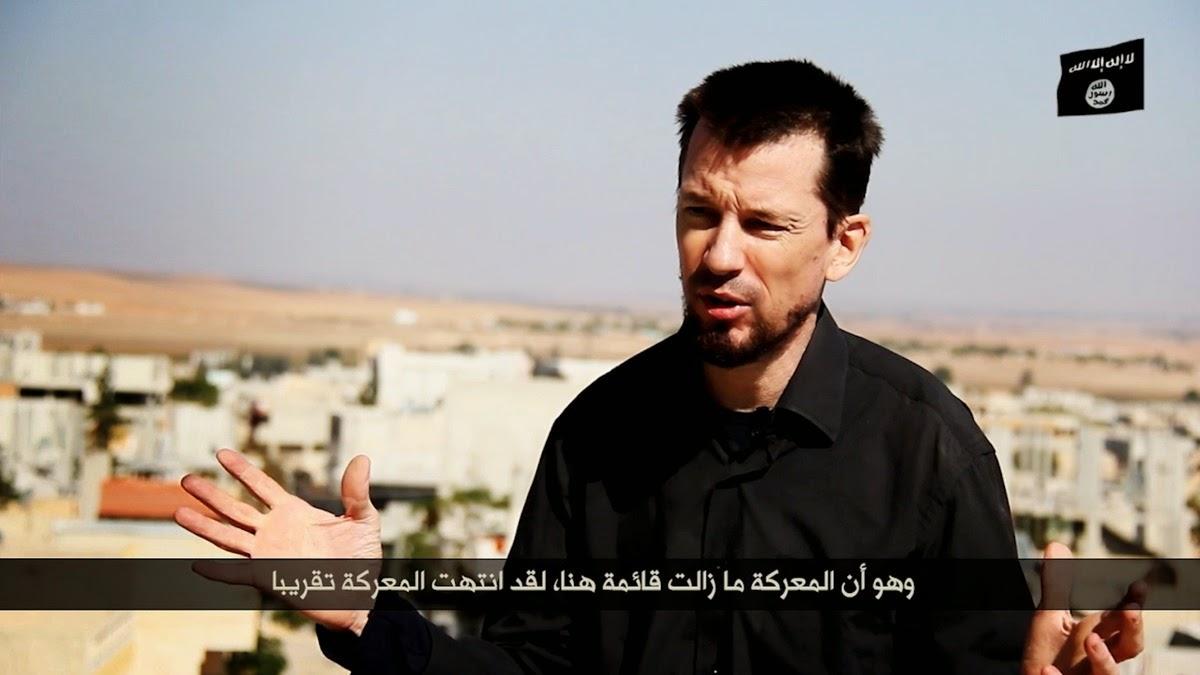 ISIS lança novo vídeo com refém britânico, fotojornalista John Cantlie