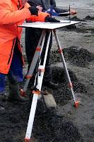 Haritacılıkta arazide kullanılan bir uzun ayaklı plançete masa
