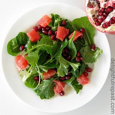 Baby Kale Grapefruit Pomegranate Salad / www.delightfulrepast.com