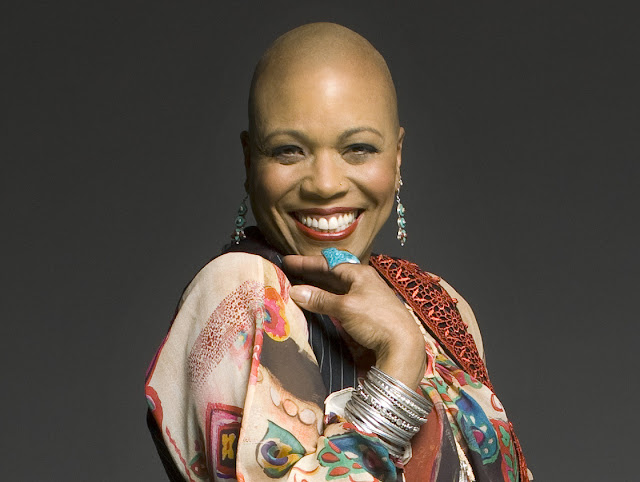 Dee Dee Bridgewater Photo de Mark Higashino. Le Blog La Muzic de Lady