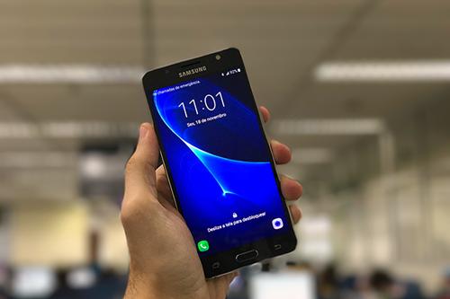 O Galaxy J5 Metal tem uma autonomia de 14h de bateria