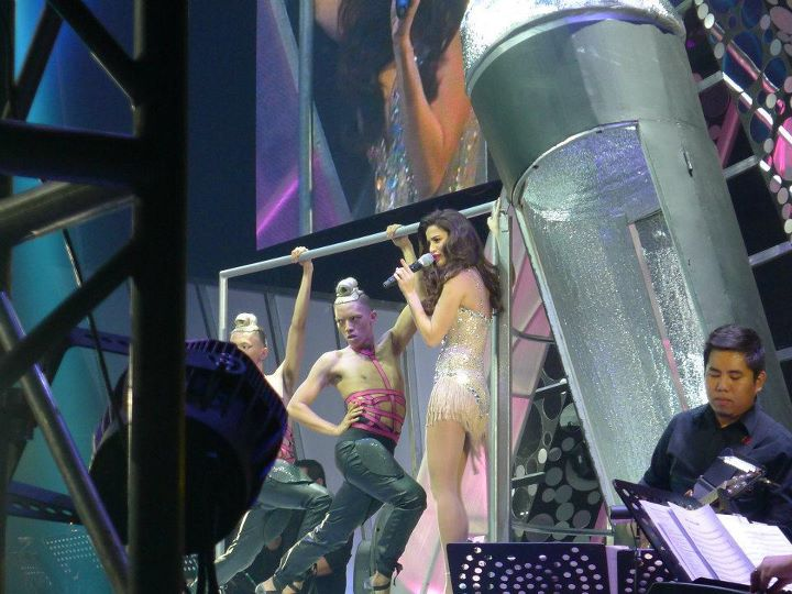 anne curtis almost naked in her araneta concert 03