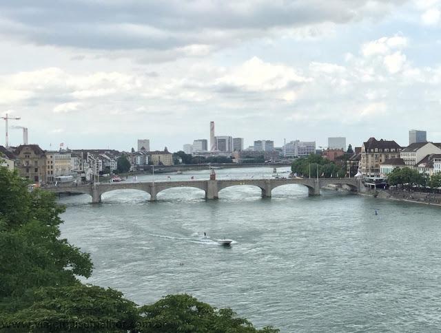 Mittlere Brucke ponte do rio Reno