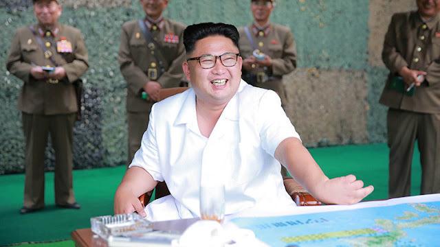 """Kim Jong-un anuncia que tiene el territorio de Estados Unidos """"en sus manos"""""""