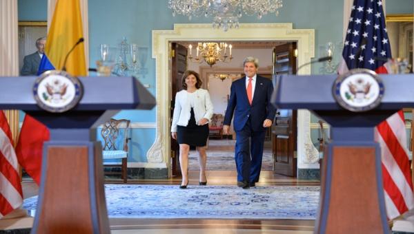 Kerry: EE.UU. apoyará la implementación de los acuerdos de paz en Colombia