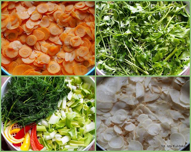 domowa przyprawa warzywna vegeta,  domowa vegeta, przyprawa z suszonych warzyw, przyprawa do zup i sosow, domowe przetwory, jak zrobić domowa wegeta, smaczna pyza