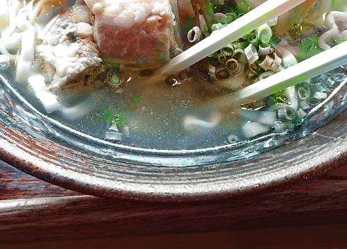 スタミナそばのスープの写真