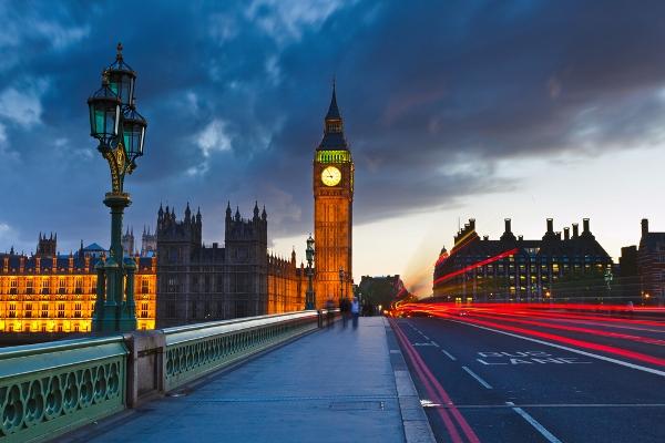 Viagem de carro de Paris à Londres