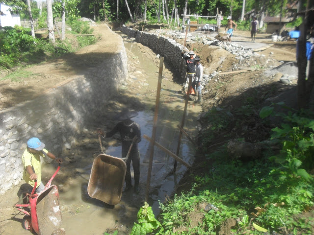 Pembangunan Talud Penahan Tanah Pada Anak Sungai
