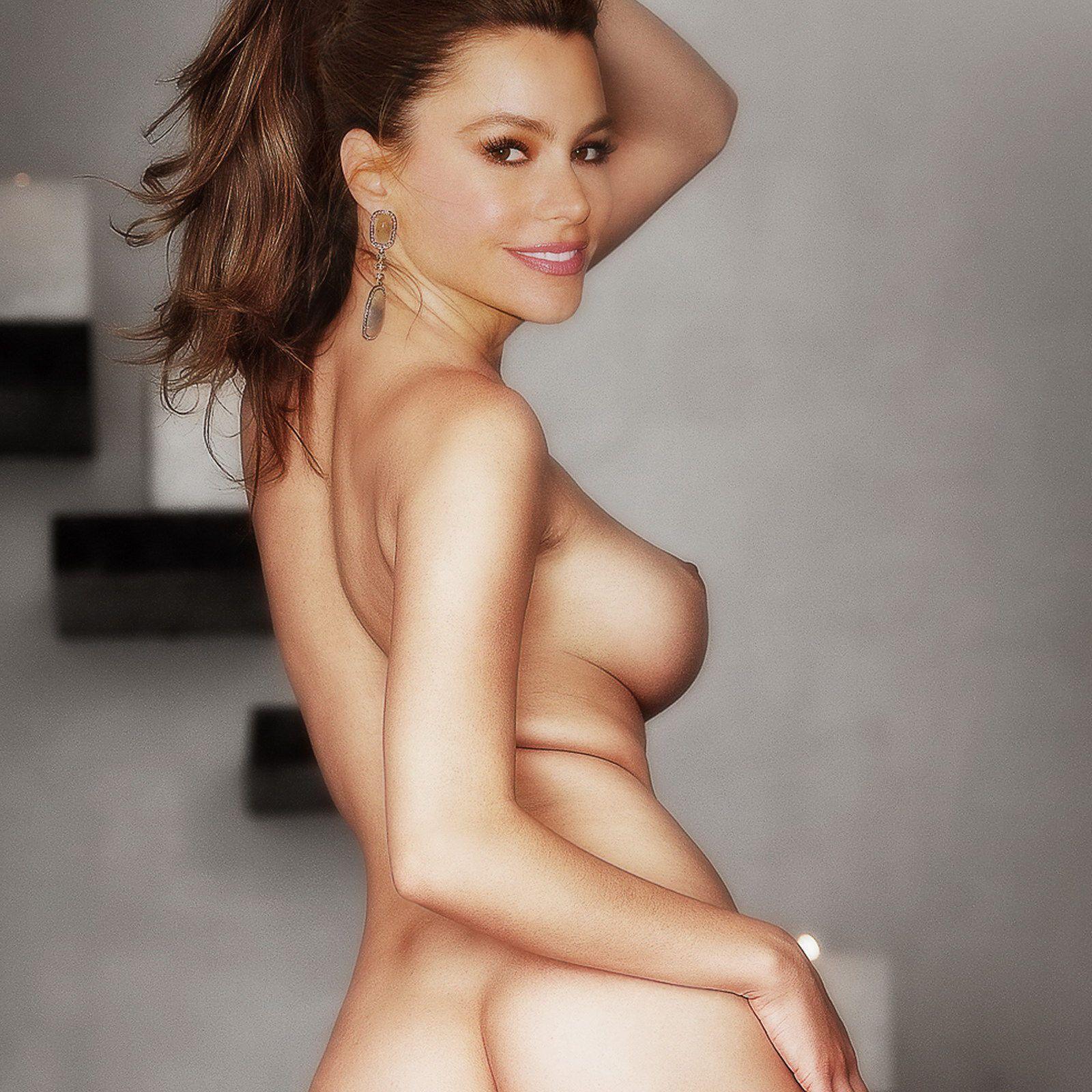 sofia topless Naked vergara