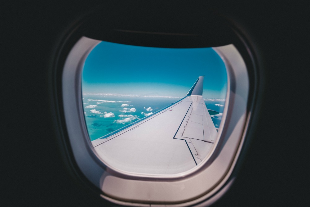 travel on an airplane with your family