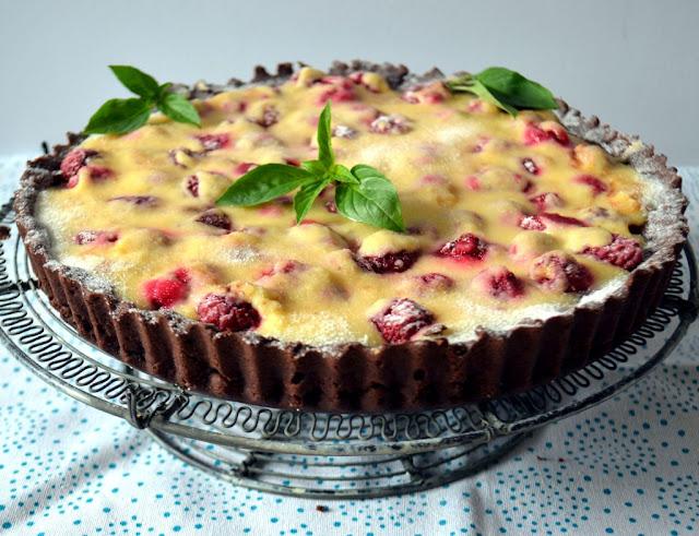 kakaowa-tarta-z-malinami-i-bial%25C4%2585-czekolad%25C4%2585 Kakaowa tarta z malinami i białą czekoladą