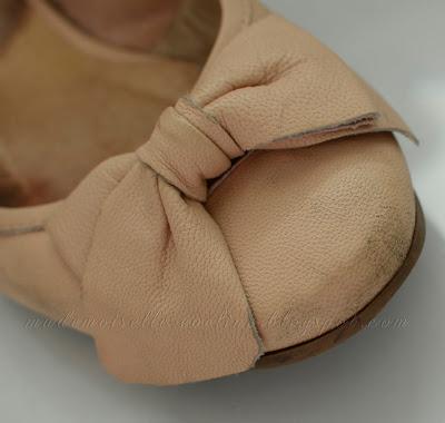 Jak uratować zniszczone skórzane buty? Renowacja skórzanych balerinek
