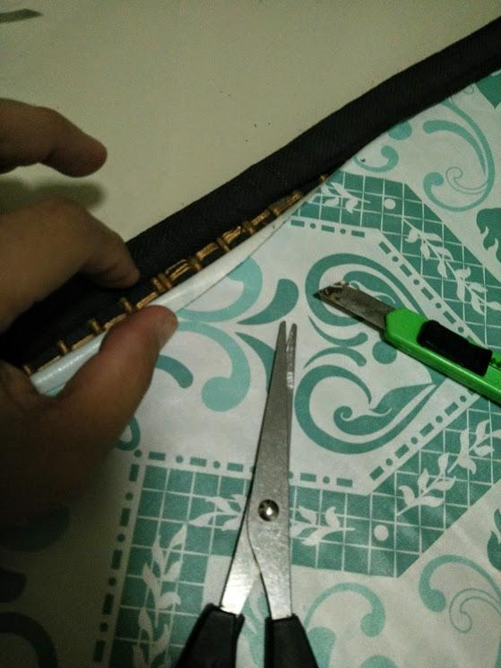 DIY tikar buluh lama & misi mengantung bingkai gambar