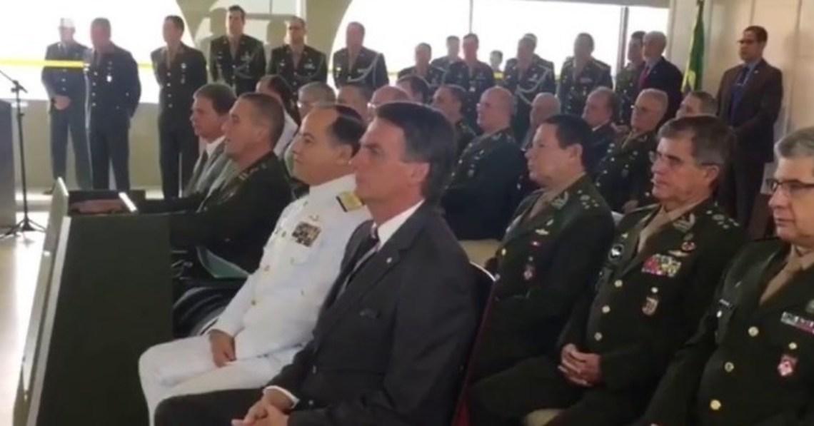 Resultado de imagem para BOLSONARO IRA ACIONAR AS FORÇAS ARMADAS