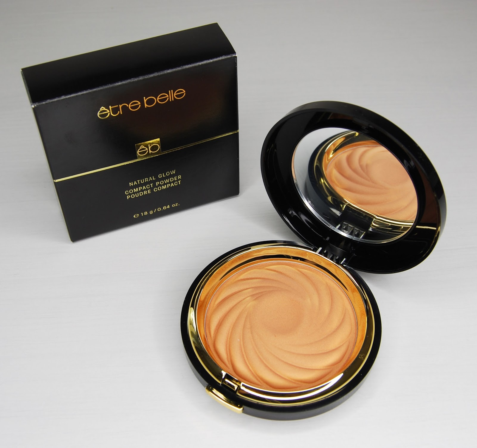 http://pannazalotka.blogspot.com/2014/09/recenzja-natural-glow-compact-powder-od.html