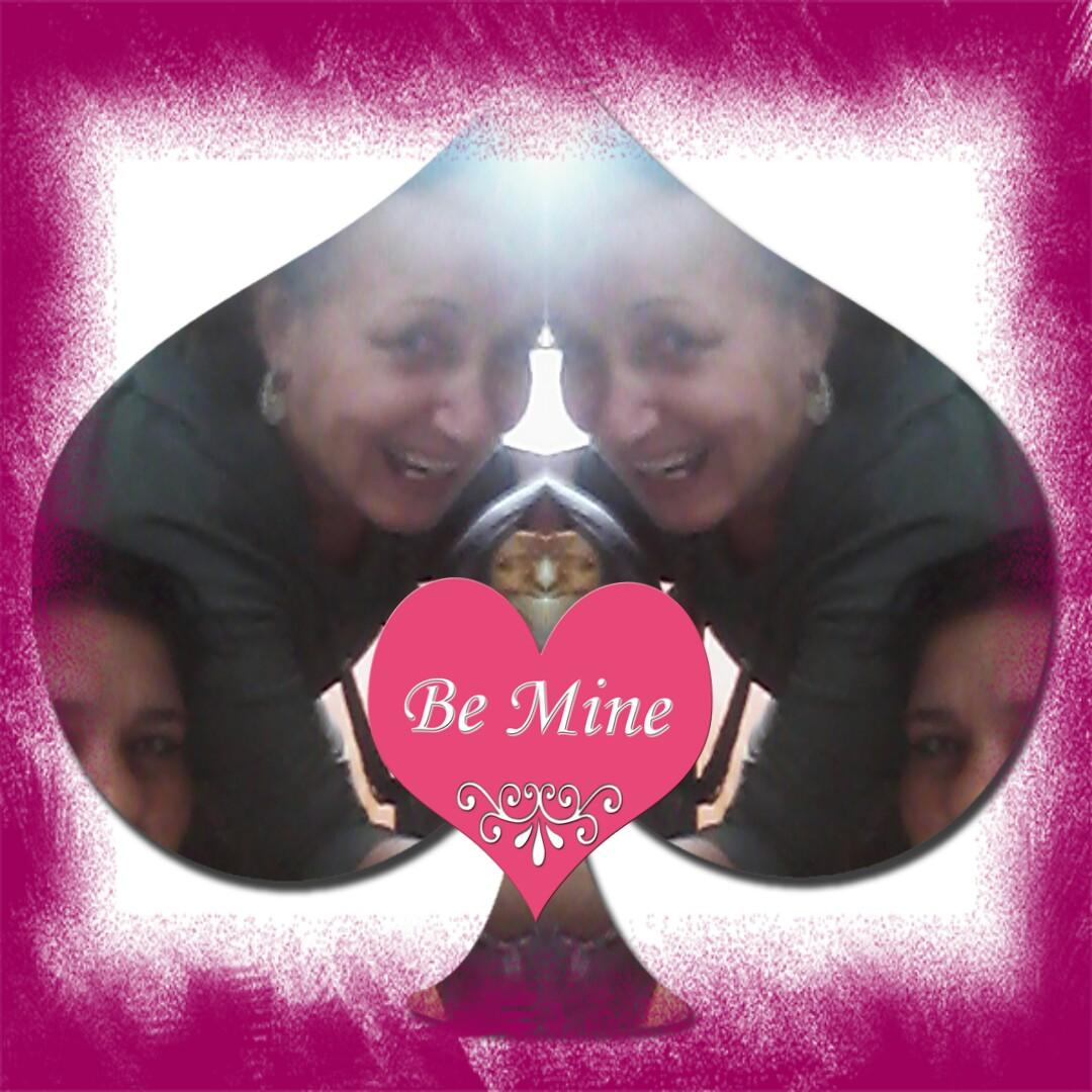 De camisa Lacoste cor de rosa. Ela logo pensou dengosa. Não provoque eu sou  rosa choque. Sou pink sou menina sou charmosa 5f6e846ca5