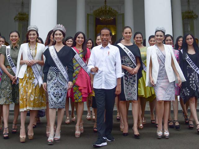 Jokowi Terima Frederika Cull, Catriona Gray dan Rombongan Putri Indonesia 2019