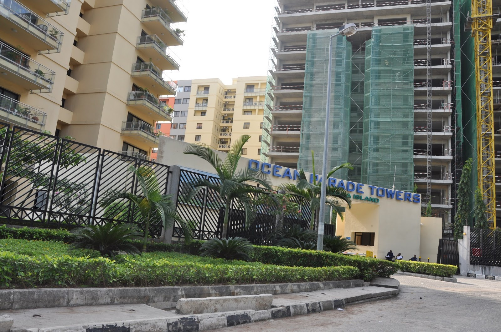 why wealthy nigerians are buying houses in banana island