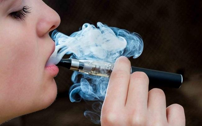 Το άτμισμα δεν είναι κάπνισμα - ΣΕΕΗΤ: Επικίνδυνη για τη δημόσια υγεία η πολιτική της ελληνικής πολιτείας