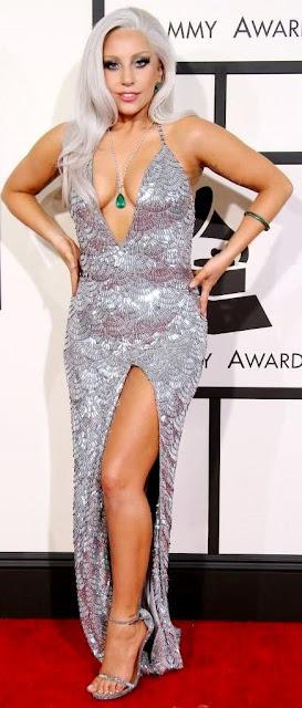 Foto de Lady Gaga posando parada