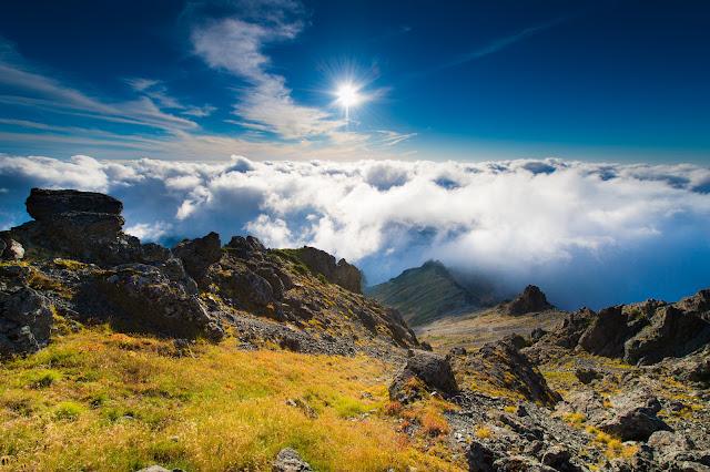 山の頂上から見たクラウド