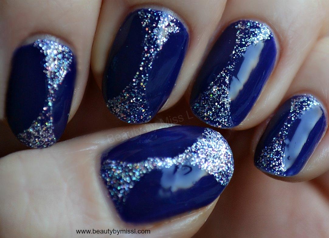 glitter manicure via @beautybymissl